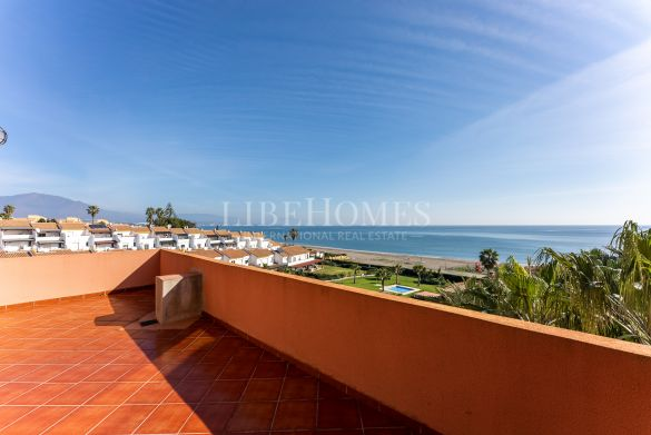 Seafront apartment, unbeatable views, in La Chullera beach, Manilva