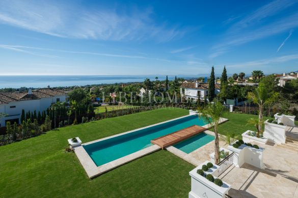 Superb luxury villa in Sierra Blanca, in Marbella Golden Mile