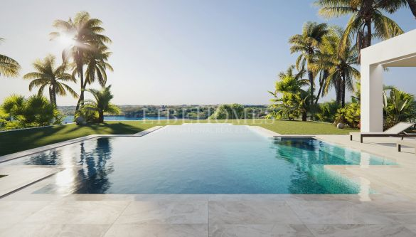 Luxury, golf frontline villa in Los Flamingos, Benahavis