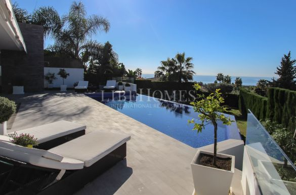 Contemporary villa in Marbella Golden Mile