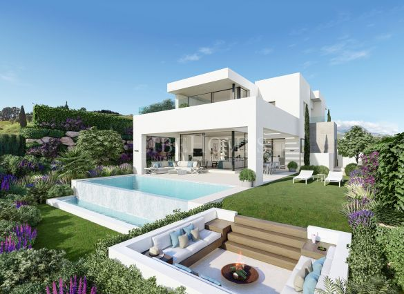 New villas with sea, golf and mountain views in Estepona Golf