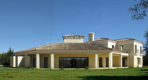 Villa with high quality finishing, Altos de Valderrama