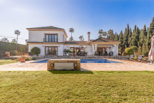 Californian type villa on prestigious Paseo del Parque