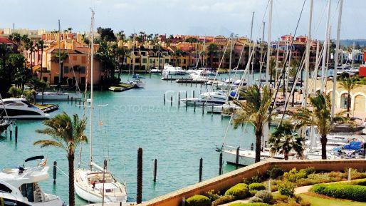 Apartamento con vistas al mar en un exclusivo conjunto residencial