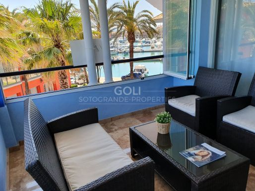 Bright apartment with views of Sotogrande Harbour