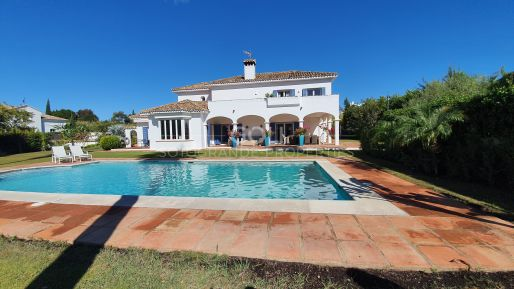 Andalusian Style villa in sought after Kings & Queens, Lower Sotogrande