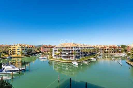 Encantador apartamento con vistas a la marina