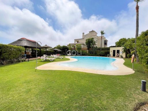 Townhouse for sale in a secure complex in La Reserva