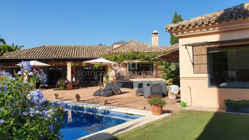 Stupendous villa with swimming pool, for sale in Upper Sotogrande