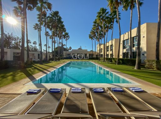 Top luxury villa on prestigious Kings & Queens