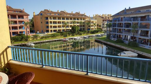 Nice apartment with views of the canals