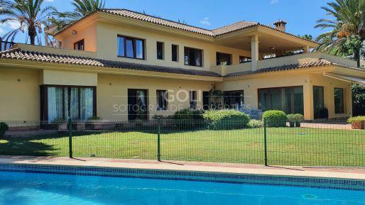Spacious villa with wonderful views