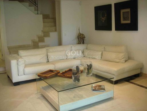 Apartment with private plunge pool and moorage 8 meter included in the price