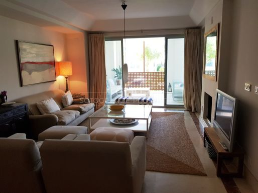 Bright apartment on the Marina