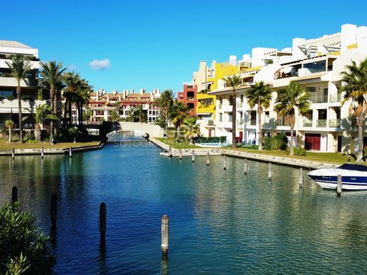 Duplex penthouse with views of the Sotogrande Marina