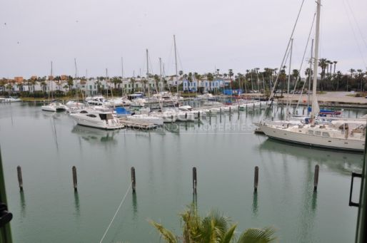 3 Bedrooms apartment for sale with views of the Marina, unfurnished