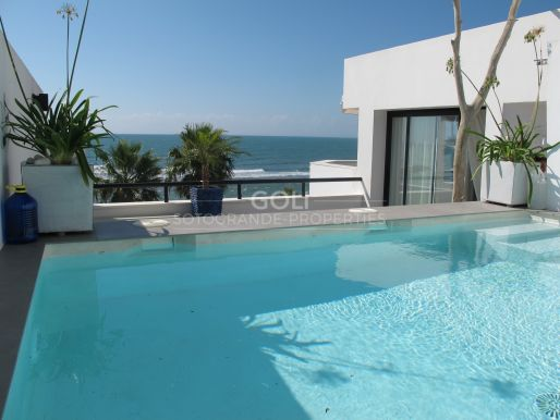 Magnificent penthouse with fantastic sea views