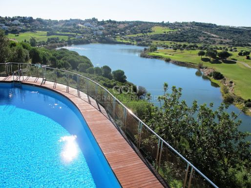 Apartment with fantastic views to the mountains, the golf course and the Almenara lake