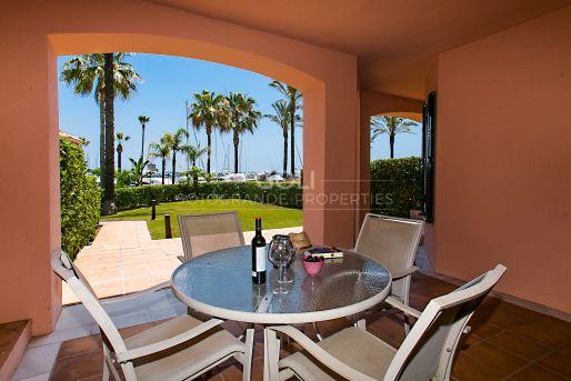 Nicely decorated holiday apartment with private garden