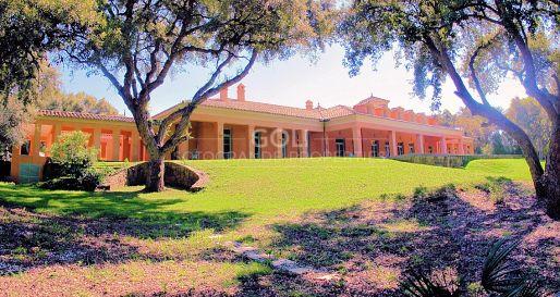 Spectacular mansion on the Valderrama Golf course