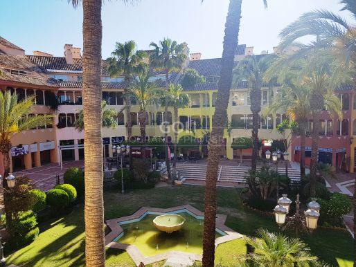 Bright and well located apartment on Sotogrande Harbour