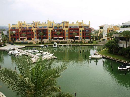 Duplex con vistas a los canales.