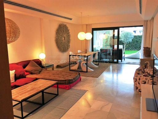 Ground floor apartment with garden in El Polo