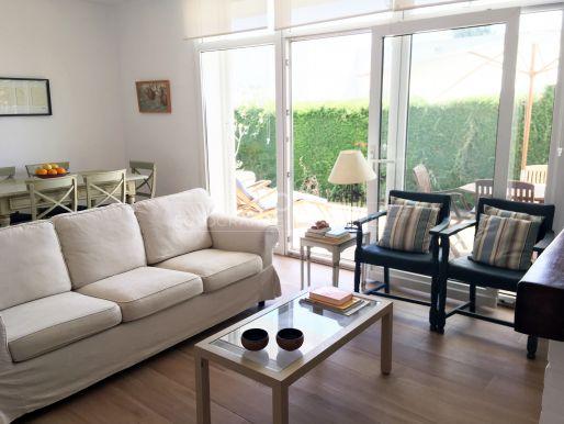 Comfortable ground floor apartment near golf courses