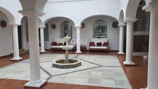 Well located holiday villa, close to the beach on prestigious Paseo del Parque