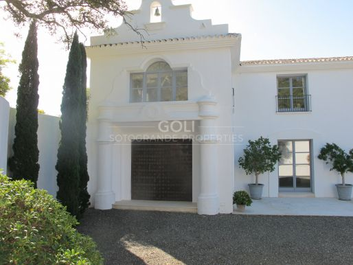 Immaculate villa for rent in Casares