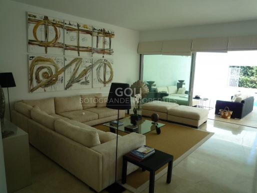 Beautifully furnished, newly built