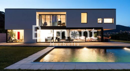 Outstanding golf villa for sale in La Cala Golf, Marbella East