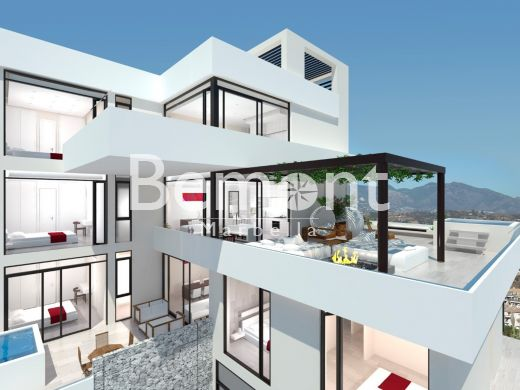 Superb golf apartment for sale in Mijas Golf, Marbella East