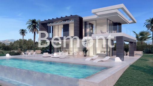 Frontline golf villa for sale in Marbella West