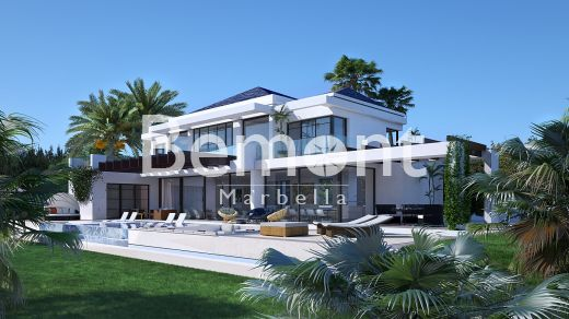 Frontline golf villa for sale in La Alqueria, Marbella West