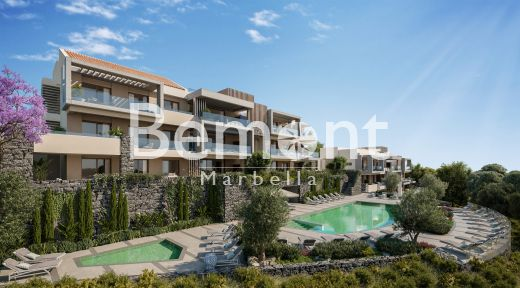 Exclusive mountainside penthouse for sale in Marbella West