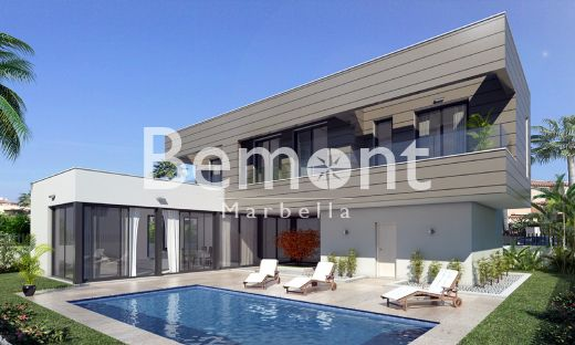 Exclusive off-plan villa for sale in Calahonda, Marbella East