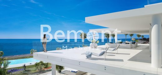 Frontline beach Penthouse for sale in Estepona, Marbella West