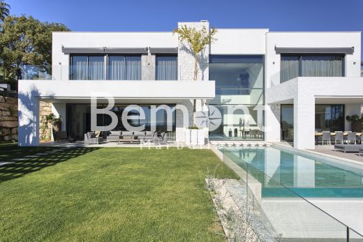 Exclusive 5 bedroom villa for sale in Benahavís, Marbella West