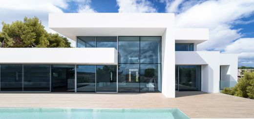 Modern style 3 bedroom new build villa in Marbella East