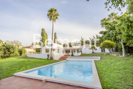 4 bedroom villa for sale in Estepona, West Marbella, Spain