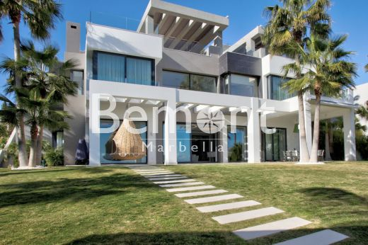 Luxury modern villa for sale in Los Flamingos Golf, Benahavís, Marbella West