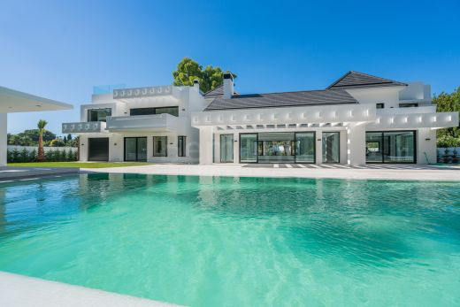 Golf & Strand Villa te koop in Guadalmina Baja, Marbella West