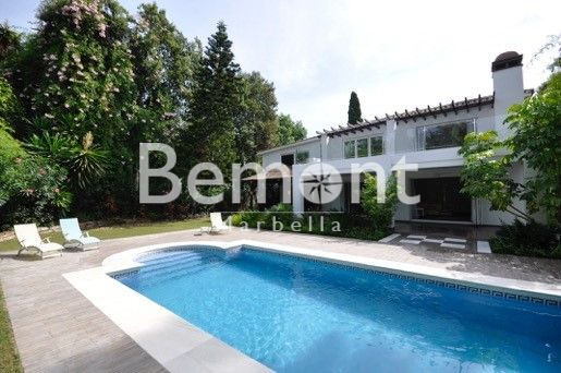 4 Bedroom villa for sale in Nueva Andalucía, Marbella