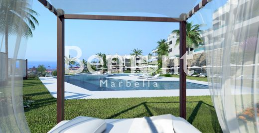 2 Bedroom contemporary apartment with sea views for sale in Marbella East