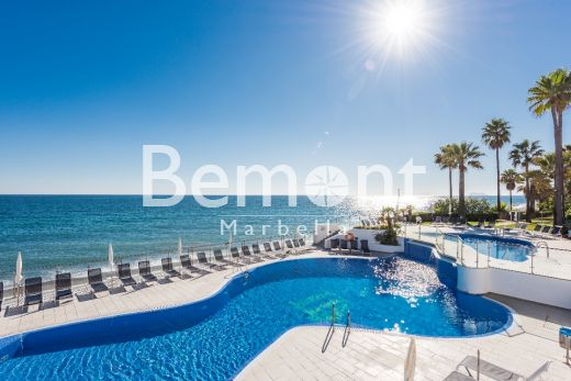 3 bedroom penthouse with sea views for sale in Estepona, Marbella West, Spain