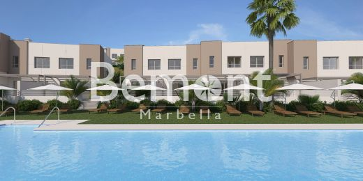 3 Bedroom townhouse with panoramic views for sale in Marbella West, Spain