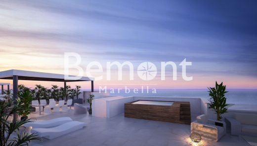3 Bedroom beachside penthouse for sale in Marbella East, Costa del Sol