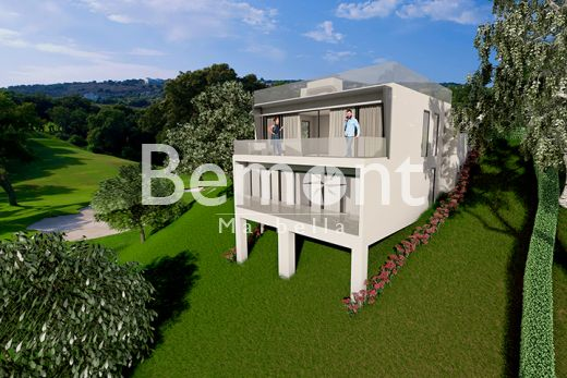 Fantastic frontline golf villa for sale in La Cala Golf, Mijas, Marbella East