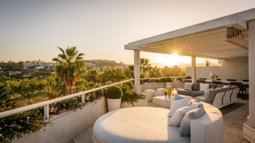 Front line golf luxury duplex penthouse for sale in Nueva Andalucía, Marbella